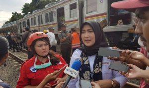 Eva Chairunnisa Selaku VP Komunikasi PT KCI memberikan keterangan kepada pers terkait anjloknya KRL jurusan Jatinegara-Bogor.