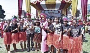 Pelajar Papua meriahkan HUT Polwan