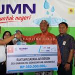 Agus Supriyono serahkan bantuan air bersih di desa Sampang senilai Rp 350 Juta