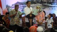 Jokowi bagikan sertifikat tanah milik masyarakat Jogjakarta