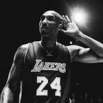 Kobe Bryant tewas dalam kecelakaan Helikopter yang dinaikinya menuju lokasi latihan basket.
