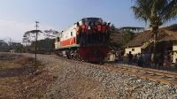 Ujicoba lokomotif dari Stasiun Cibatu-Stasiun Garut (PP) menggunakan Lok CC2017723 berjalan dengan Kecepatan : 20 km/jam.