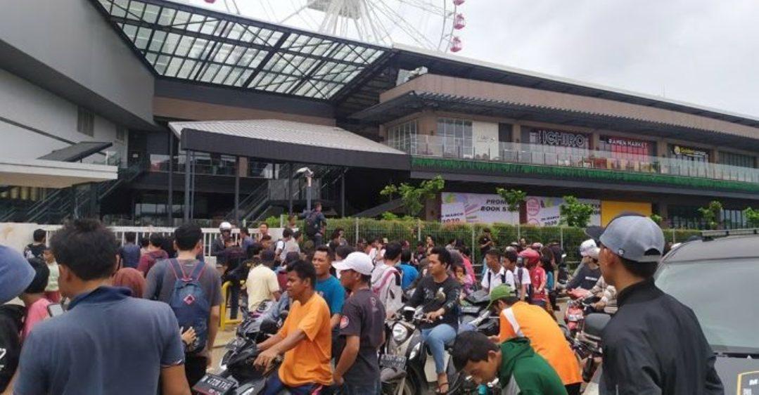 AEON Mall dirusak warga diduga pembangunan Mall berdampak pada pemukiman warga. (Foto: Istimewa)