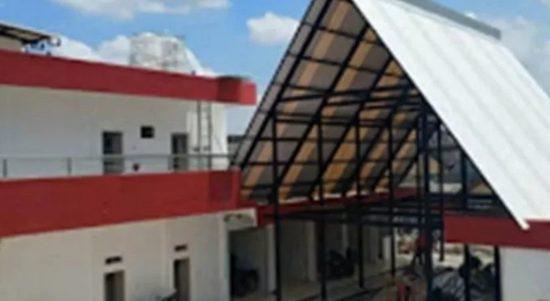 Bangunan Pasar Burung dan Batu Akik di eks bangunan Wisma Barbara Dolly, Kota Surabaya