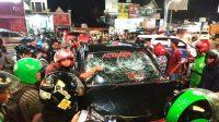 Diduga mengalami stres, Baharuddin (45) nekatmenabraksejumlahpengendaramotor dengan mobilToyota Rushyang dikendarainya. (Foto: Istimewa)