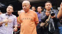 Eyang Anom Mengenakan Baju Tahanan Usai Jadi Tersangka Pencabulan Terhadap Anak Tirinya. (Foto: F Bangkit)
