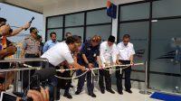 Proses Pengguntingan pita oleh Dirut PT KAI Edi Sukmoro diikuti oleh Bupati Indramayu beserta jajaran Muspika Kabupaten Indramayu.