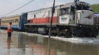 Ilustrasi, beberapa perjalanan kereta api mengalami keterlambatan imbas dari Banjir di sejumlah Wilayah Jakarta.