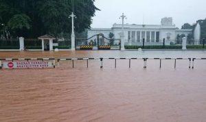 Istana Kepresidenan RI turut kebanjiran.