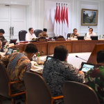 Joko Widodo pimpin rapat hilirisasi industri produk-produk unggulan di Kantor Presiden di Jakarta