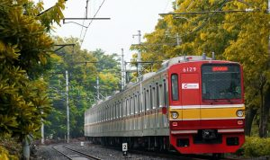 KRL Melakukan Rekayasa Pola Operasi Dampak Revitalisasi Prasarana Perkeretaapian di Stasiun Gambir - Stasiun Jakarta Kota.