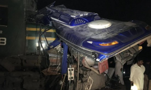 Kecelakaan Kereta Api Dengan Bus DI Pakistan Merenggut Banyak Nyawa