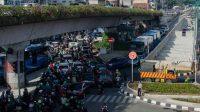 Kemacetan disejumlah daerah sangat parah, dampak dari bertambahnya jumlah kendaraan dan masifnya pembangunan dijalan raya. (Ilustrasi)