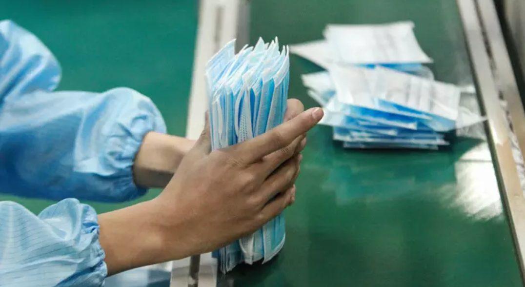 Masker di China sangat dibutuhkan saat ini guna pengendalian Wabah Virus Covid 19