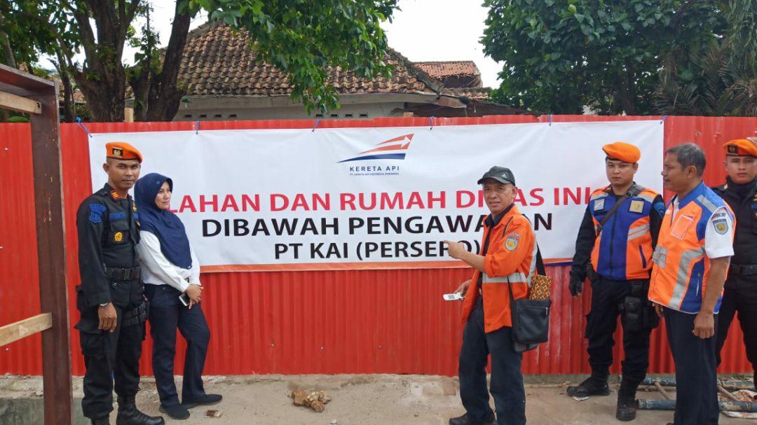 PT KAI Divre IV Tanjung Karang berhasil mengamankan aset yang berupa rumah dinas di Jalan Manggis No 86A.