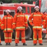 Petugas Pemadam Kebakaran terluka saat bertugas.
