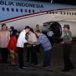 Presiden Joko Widodo dan Ibu Iriana Jokowi tiba di Bandar Udara Adi Sucipto Yogyakarta