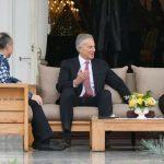 Presiden Joko Widodo menerima kedatangan delegasi Tony Blair Institute for Global Change yang dipimpin langsung oleh Tony Blair di Istana Merdeka, Jakarta.