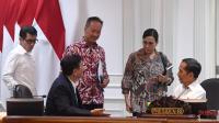Presiden Joko Widodo saat membahas tindak lanjut terhadap langkah kebijakan yang telah diputuskan untuk menghadapi dampak virus korona terhadap perekonomian nasional