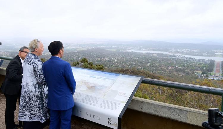 Presiden Jokowi melihat dan mempelajari pembangunan Canberra sebagai ibu kota Australia