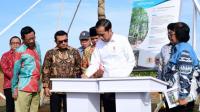 Presiden Jokowi meresmikan Hutan Pers Taman Spesies Endemik Indonesia dan Taman Hutan Hujan Tropis Indonesia