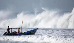 Seorang Nelayan dikabarkan Hilang di laut Paritpadang.