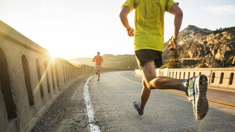 Olahraga menjadi kebutuhan manusia bagi kesehatannya, terutama Jantung. Lari merupakan olahraga yang tepat untuk menyehatkan jantung.