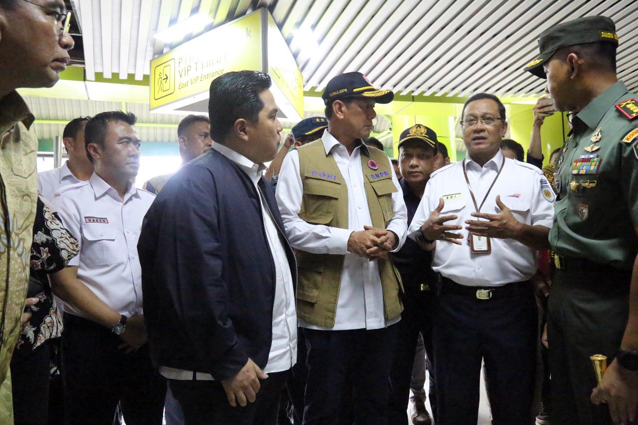 Direktur Utama PT KAI Ed Sukmoro menjelaakan situasi terkini di Stasiun Gambir.