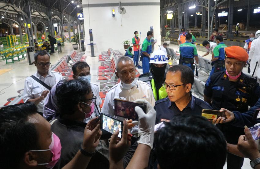 EVP PT KAI Daop 6 Yogyakarta Eko Purwanto Saat Memberikan keterangan Kepada Media