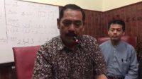 FX Hadi Rudyatmo saat memberikan keteranga Pers terkait Status KLB Kota Solo.
