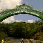 Gerbang Masuk Kabupaten Gunungkidul Yogyakarta