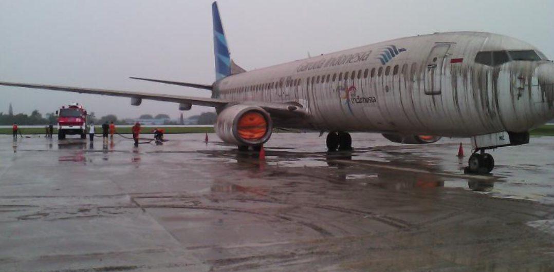 Gunung Merapi kembali meletus kali ini jangkauanya hingga Solo dan membuat beberapa penerbangan di Bandara Adi Soemarmo dari dan menuju Solo tertunda.