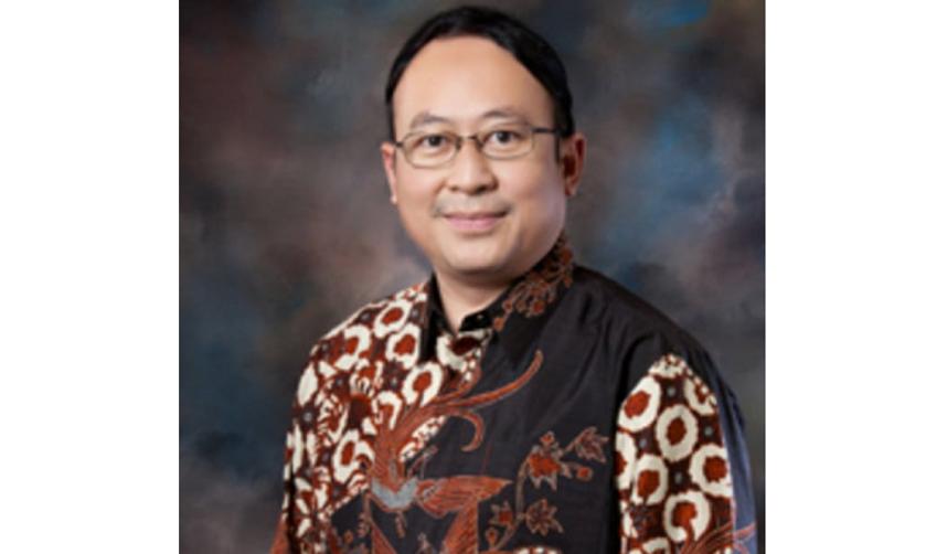 Profesor Iwan Dwiprahasto Guru besar Farmakologi Fakultas Kedokteran, Kesehatan Masyarakat, dan Keperawatan UGM