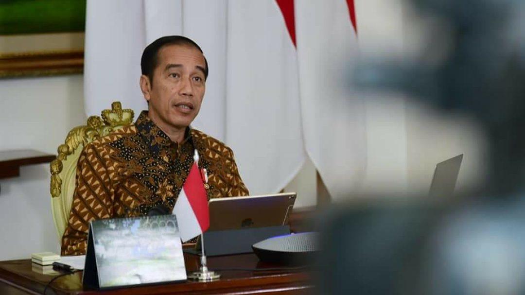 Jokowi memimpin rapat terbatas dengan para menterinya. (Foto: KSP)