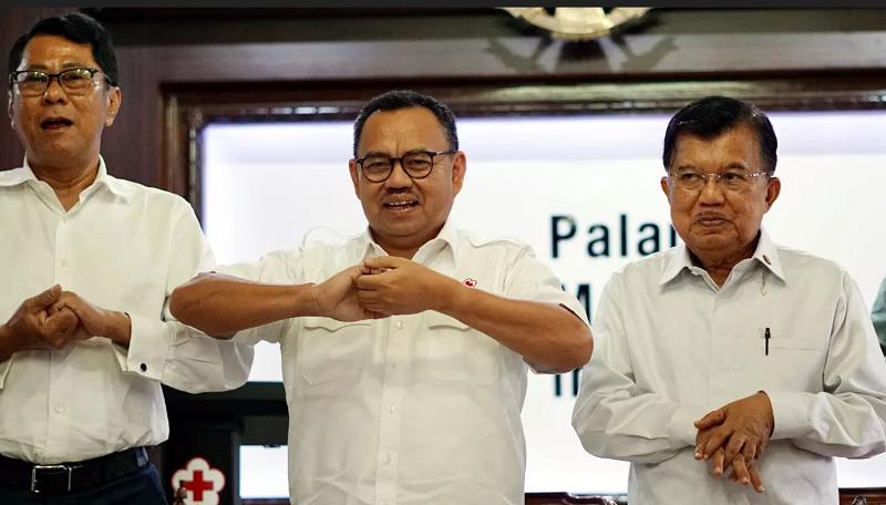 Ketua Umum PMI Jusuf Kalla bersama Sekjen PMI Sudirman Said dan jajaran pengurus PMI Pusat dan 8 PMI Provinsi di Indonesia melakukan simulasi cara cuci tangan yang baik dan benar di Markas Pusat PMI