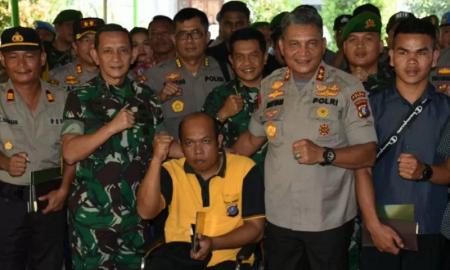 Pangdam I Bukit Barisan Mayjen TNI MS Fadhilah bersama Kapolda Sumut Irjen Pol Martuani Sormin