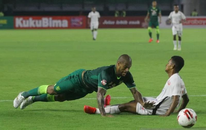 Persebaya Surabaya VS Persipura Jayapura
