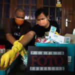 Pewarta Foto Indonesia membagikan masker dan hand sanitizer kepada para Jurnalis Foto di DKI Jakarta.