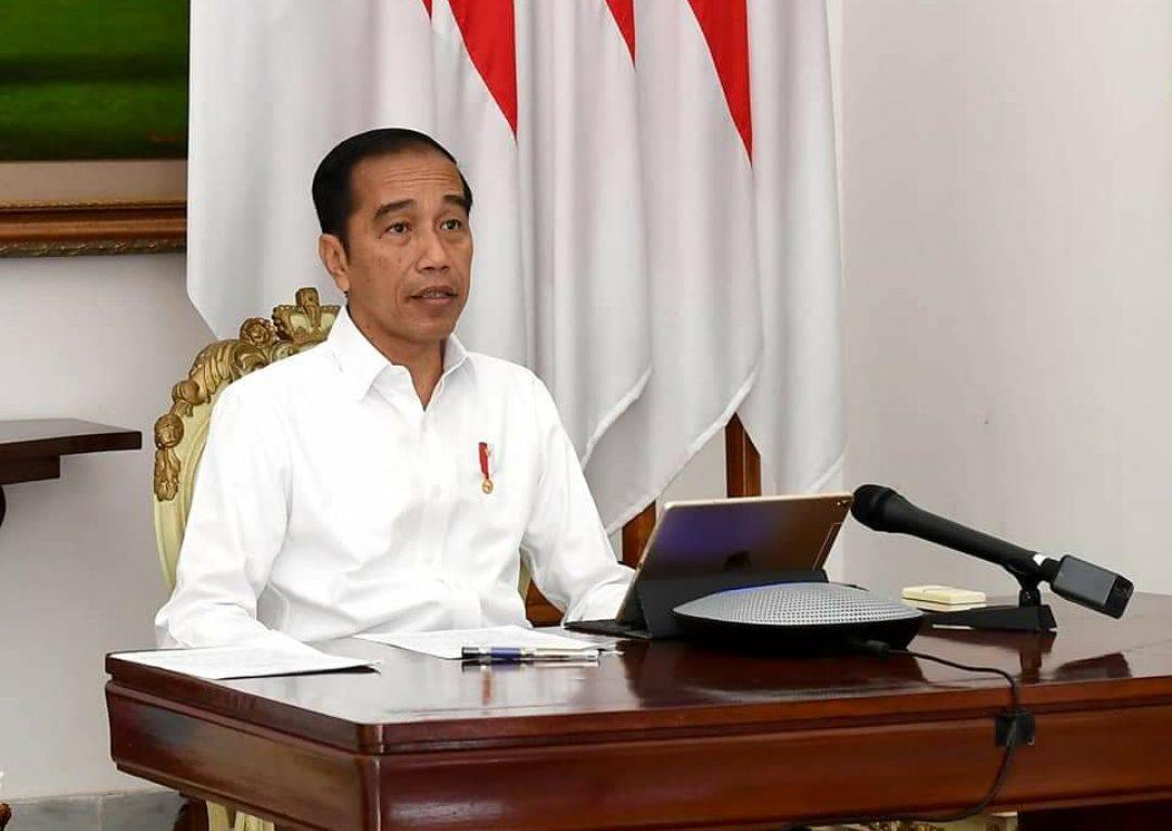 Presiden Jokowi saat melakukan Teleconfrence dengan para pejabat negara terkait penanganan wabah Corona.
