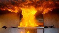 Pusat Grosir Surabaya terbakar.