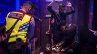 Razia Narkoba di Tempat Hiburan Malam. (Foto: Antara)