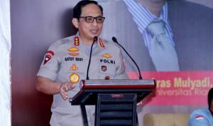 Wakapolri Komjen Pol Gatot Eddy Pramono memberikan kuliah umum pada para mahasiswa di Universitas Riau