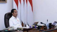 Jokowi memimpin rapat terbatas bersama jajarannya. (Foto: Setpres)