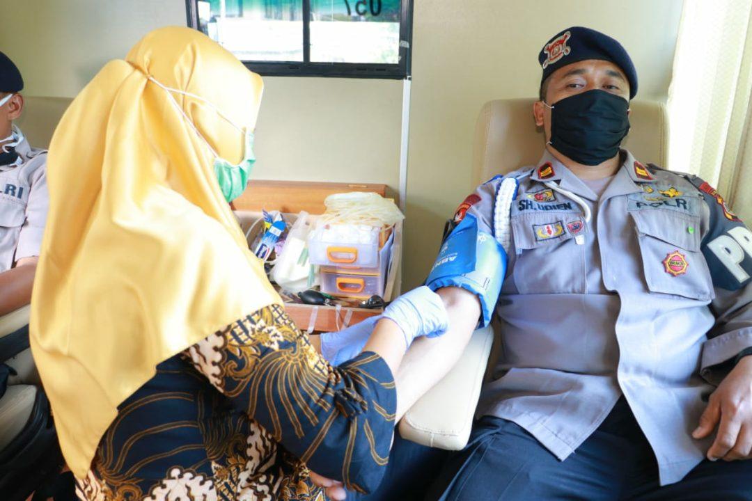 PMI Cabang Sleman dan Polda DIY menggelar Donor Darah.
