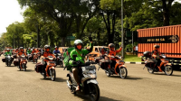 Paket Sembako Secara Simbolis Mulai disalurkan bagi masyarakat kurang mampu dan terdampak Covid-19 di wilayah DKI Jakarta