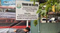 Penyitaan lahan KAI yang dikuasai warga Kesawan Medan secara sepihak. (Foto: Amsal, Elshinta.com)
