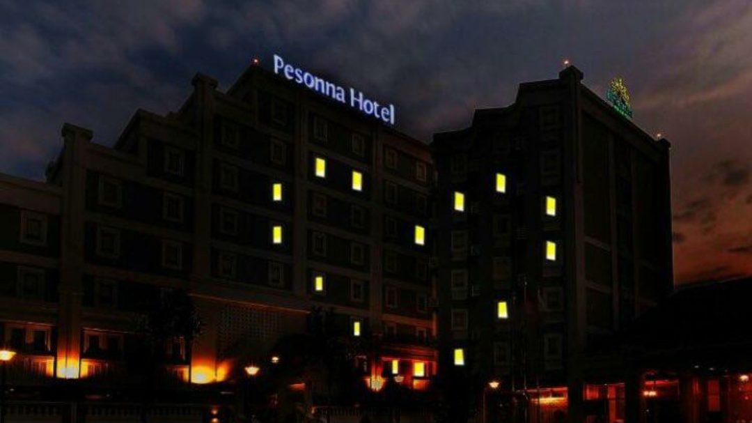 Pesonna Hotel juga menyalakan lampu bersimbol cinta. (Foto: Istimewa)