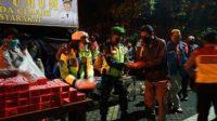 Polres Cimahi Bagi-Bagi Makan Sahur bersama Pemkot Cimahi. (Foto: Istimewa)