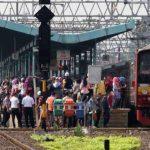 Rangkaian KRL di Stasiun Manggarai Jakarta.
