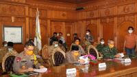 Suasana konferensi video kesiapan antisipasi karhutla di ruang kerja Gubernur Jambi, bersama Kapolda dan forkompinda